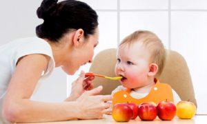 Как накормить ребенка при стоматите
